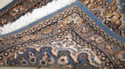 Huyendo del clasicismo, alfombras persas en ambientes modernos y actuales